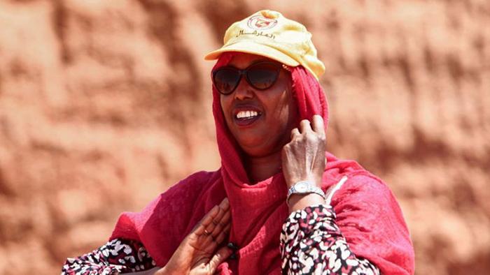 Профессор Мухаммад предполагает, что обучение студентов истории Судана могло бы побудить их защищать эти места.