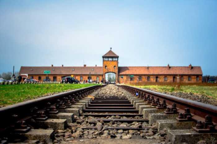 Железная дорога по которой везли узников в концлагерь Освенцим.