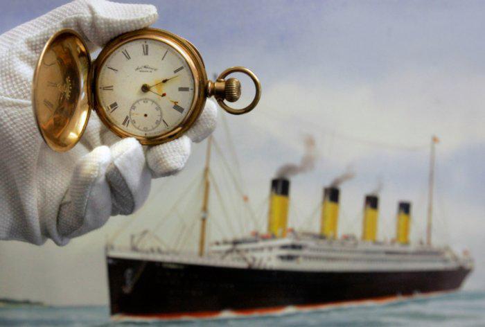 Поминутно расписано всё, что касается «Титаника», о героизме экипажа «Карпатии» упоминают редко.