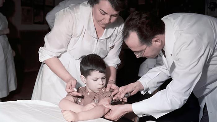 Заставить подростков вакцинироваться было чрезвычайно тяжёлой задачей.