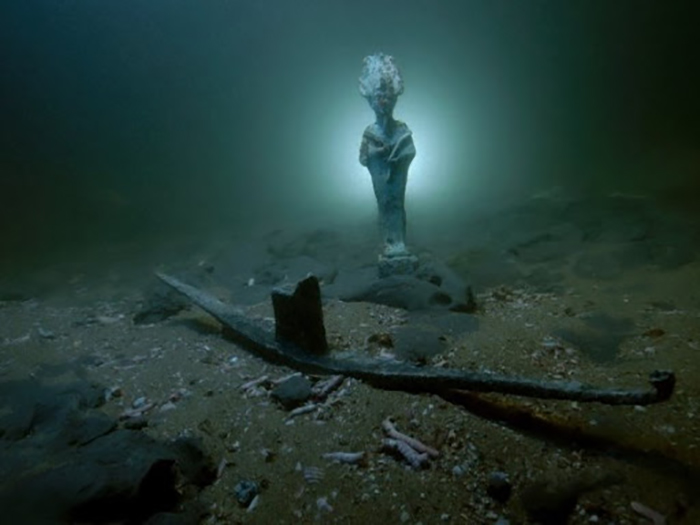 Статуи богов и прочие древние артефакты прекрасно сохранились под водой.