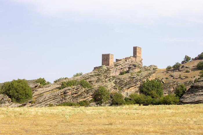 В 20 веке замок полностью пришёл в упадок, его удивительные башни были почти полностью разрушены.