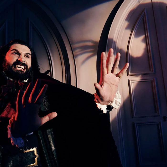 Киношный граф Дракула - всего лишь вымысел. Жаль, наверное.