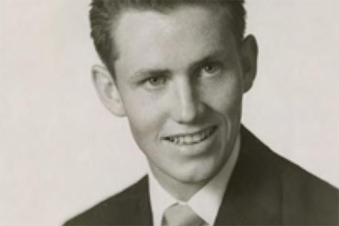 Молодой Чак Фини.