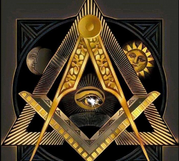 Самые знаменитые символы масонов - это наугольник и циркуль.