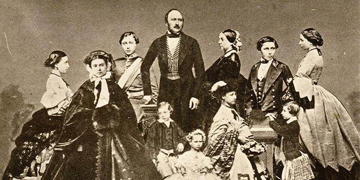 Когда любимый Альберт умер, Виктория не могла долго прийти в себя.