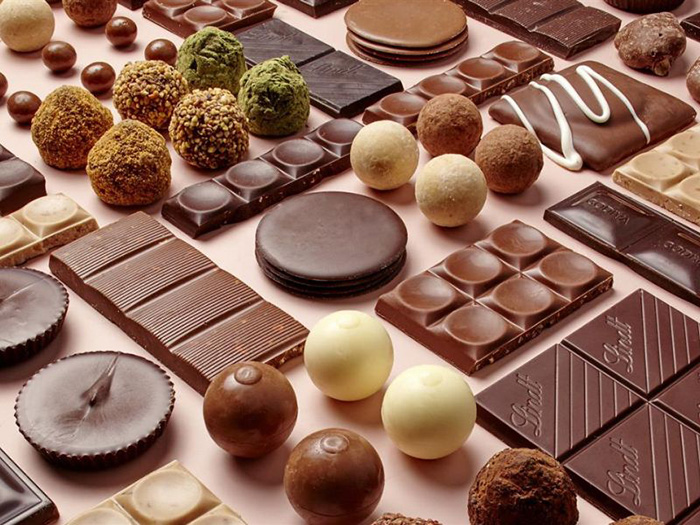 Сейчас общедоступны разнообразные шоколадные лакомства.