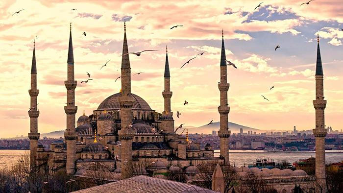 Из осколков Османской империи образовалась современная Турция.