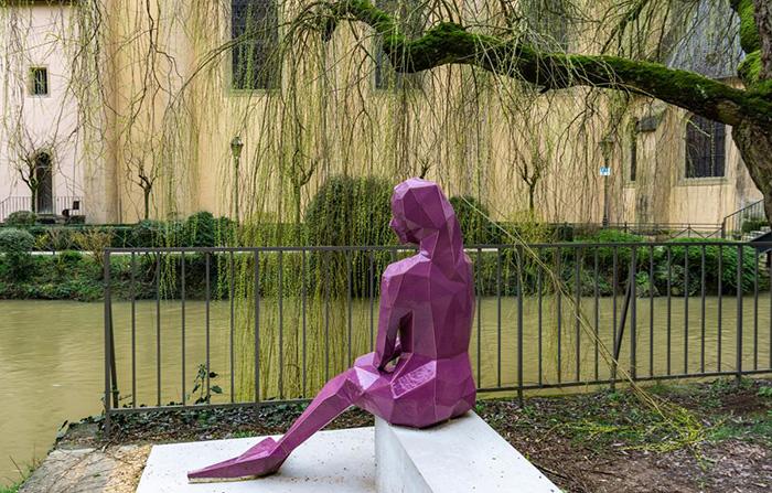 Памятник Мелюзине в Люксембурге.