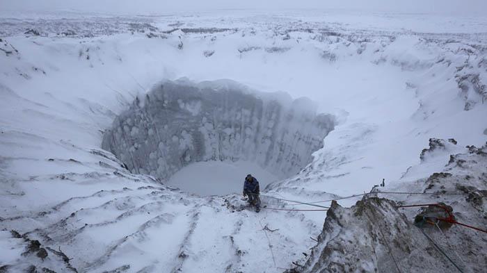 Ямальский кратер, взорвавшийся летом 2014 года.