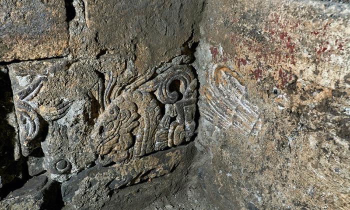 Кроме всего прочего археологи обнаружили две статуи ацтекских богов.