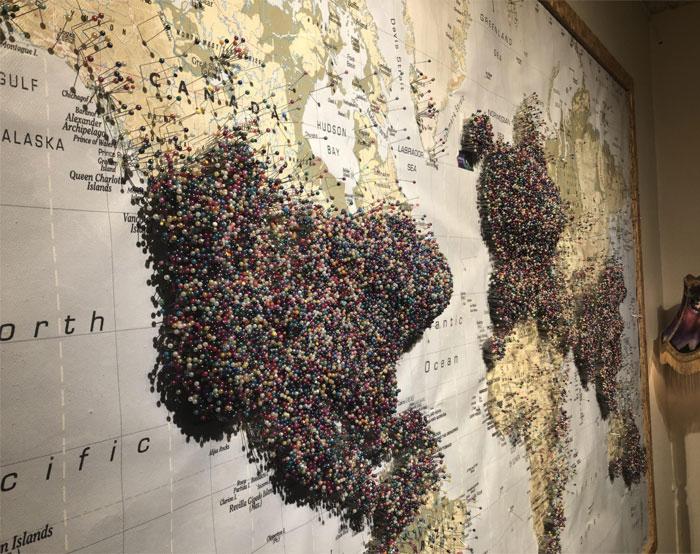 Эта карта «Откуда ты» в музее «Аврора» в Рейкьявике, Исландия.