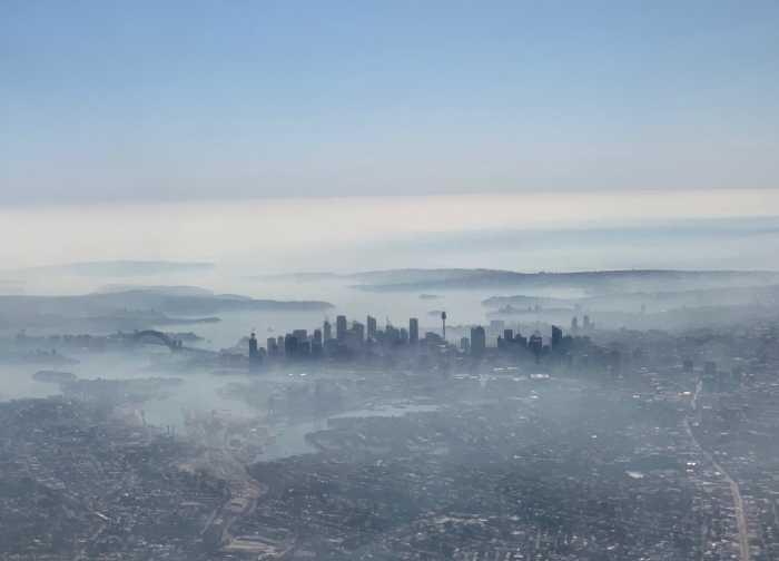 Сидней покрыл густой смог.