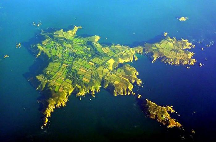 Аэрофотоснимок острова Сарк.
