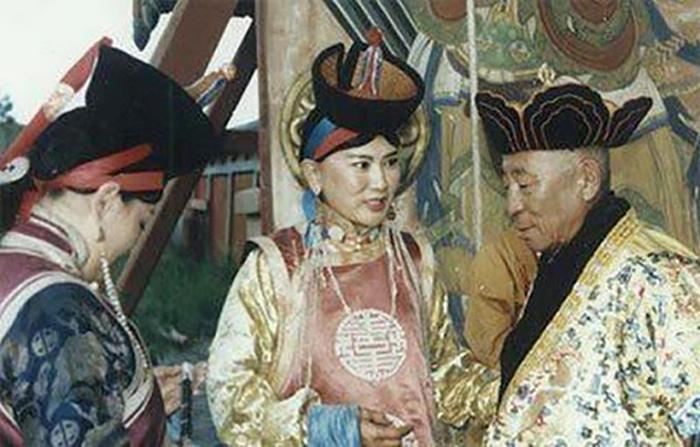 Королева Монголии была грамотной и образованной женщиной.