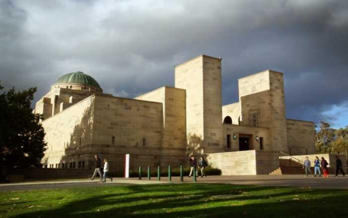 Этот мемориал - одно из самых величественных строений подобного толка.