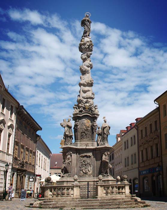 Чумная колонна в Кутной Горе, Чехия.