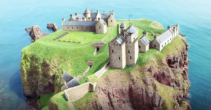 Реконструкция замка Данноттар.