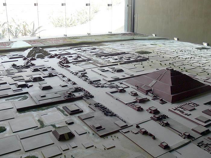План-макет города Теотиуакан.