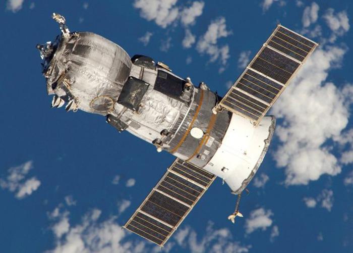 Прогресс М-52 в космосе.