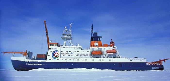 Ледокол RV Polarstern.