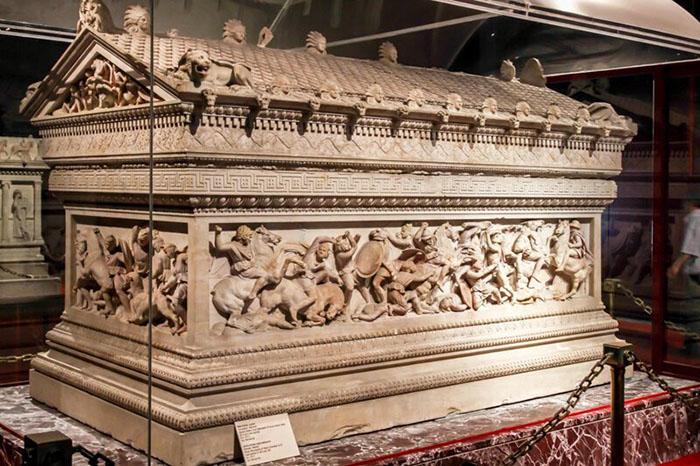 Саркофаг Александра Македонского.