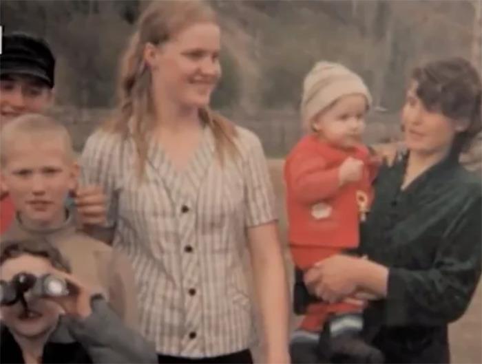 Первая жена Виктора Марцинкевича с детьми.
