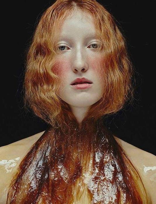 Лорна обладает необычной красотой в стиле эпохи Ренессанса.