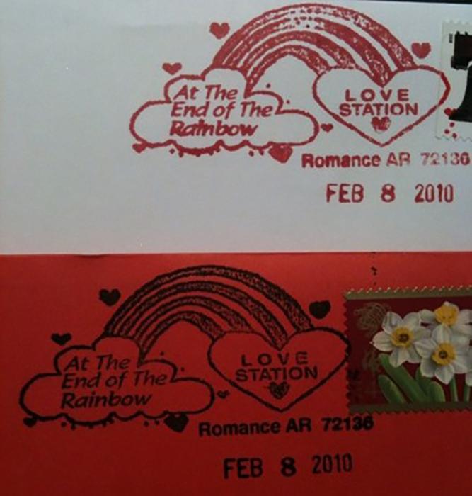 Через маленькое почтовое отделение отправляют тысячи любовных поздравлений.