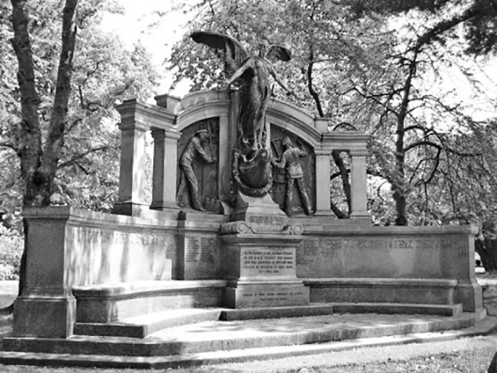 Мемориал «Титаника» в Саутгемптоне.