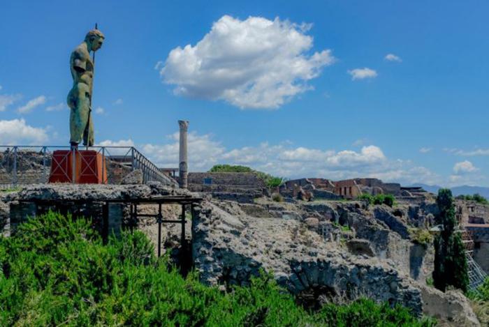 В парке открыли даже музей возвращённых артефактов и писем, которыми их сопроводили.