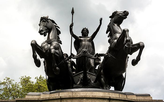 Памятник королеве Боудикке.