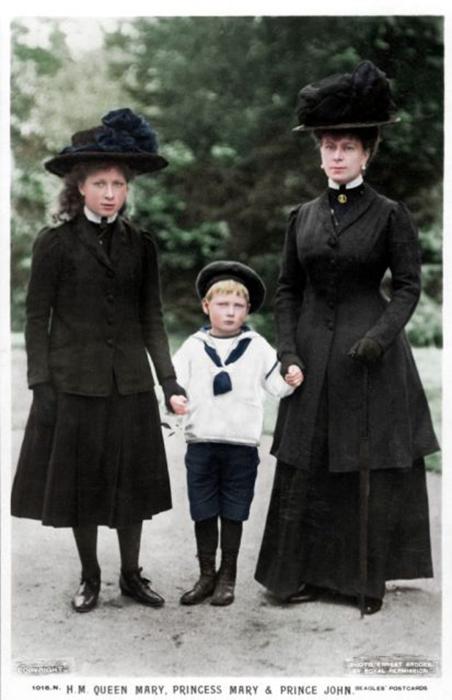 Королева Мария, принцесса Мария и принц Джон, 1910 год.
