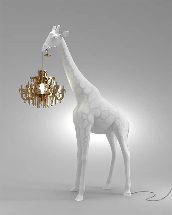 Эти люстры-жирафы наверняка оживят любой интерьер или сад.
