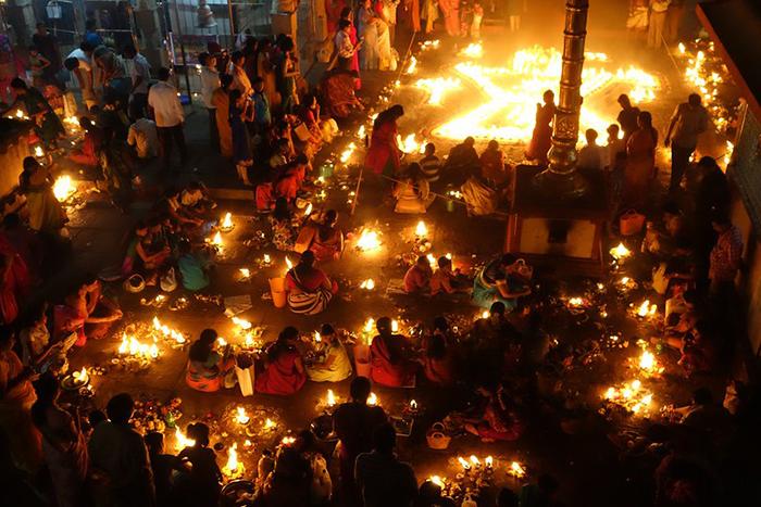 Наиболее известен Дивали, как фестиваль огней.