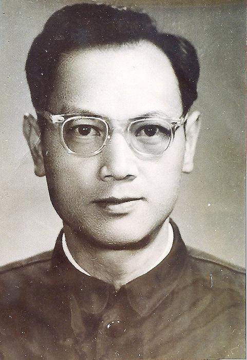 Китайский биолог Пэн Цзяму.