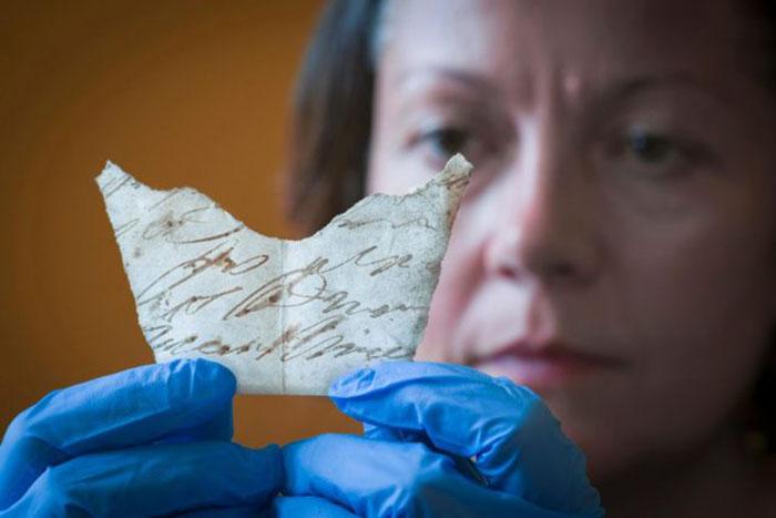 Документ XVIII века, найденный под половицами.
