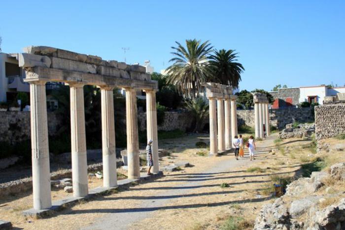 Руины древней гимназии на острове Кос, Греция.