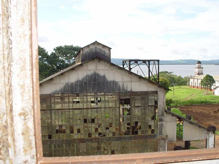 Руины электростанции Фордландии.