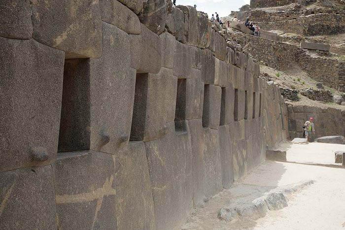 Впервые город был исследован испанцами в 17 веке.
