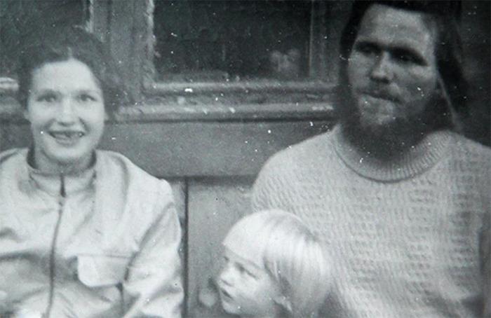 Антипины со старшей дочерью Оленьей.