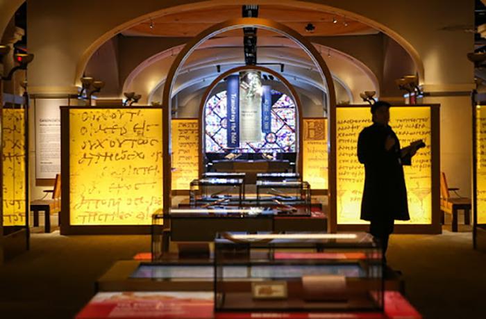 Внутри Музея Библии интересно всем.