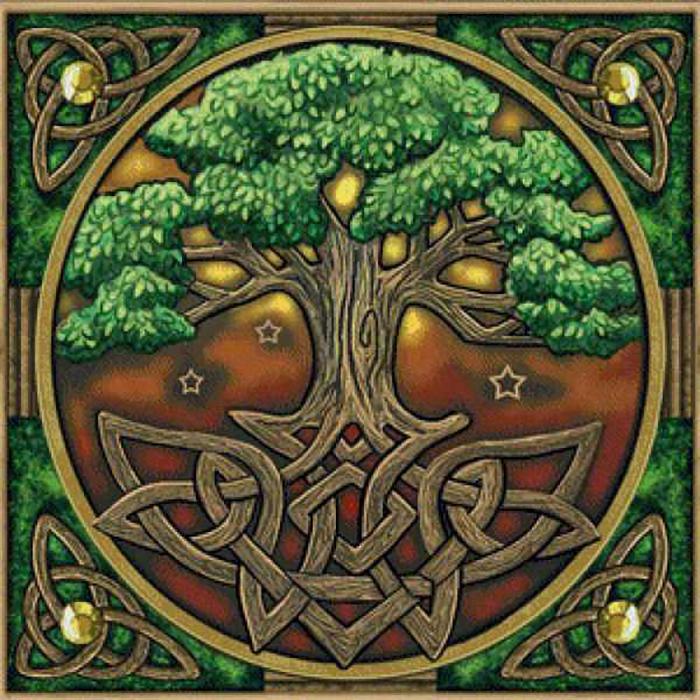 Сложный символичный традиционный кельтский орнамент.