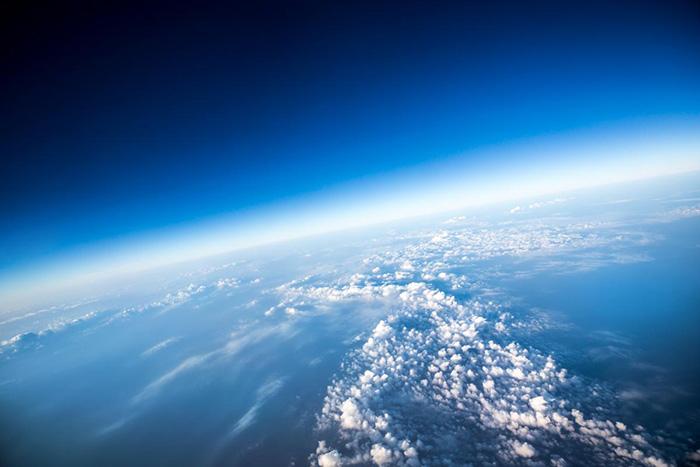 Начал активно восстанавливаться озоновый слой.