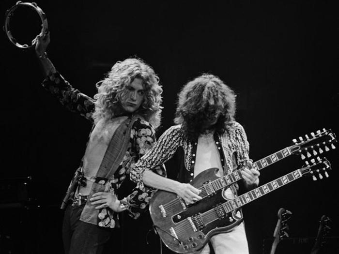 Роберт Плант и Джимми Пэйдж - вокалист и гитарист одной из самых влиятельных групп всех времён и народов.