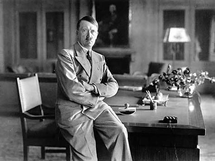 Адольф Гитлер пришёл к власти, что привело к одной из самых кровавых войн в истории человечества и человеческим жертвам исчисляющимся десятками миллионов.