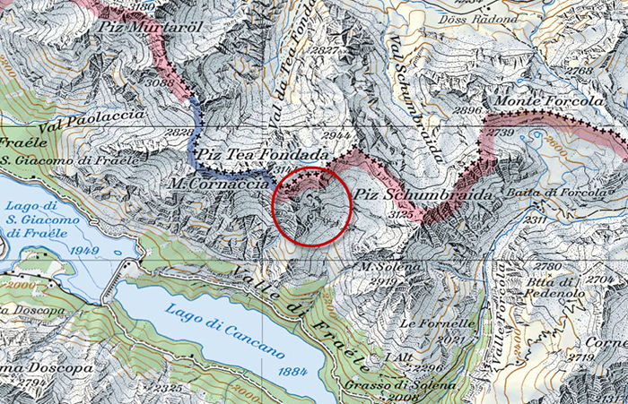 На этой карте можно рассмотреть человека, взбирающегося на гору.