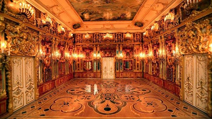 Легендарная Янтарная комната.