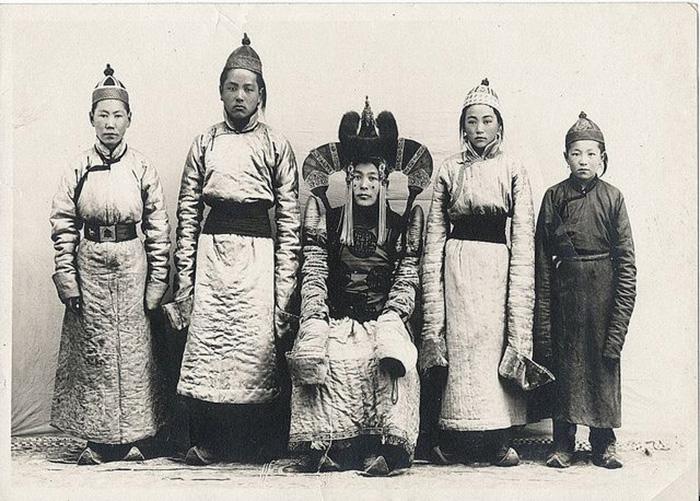 Семья из Монголии.