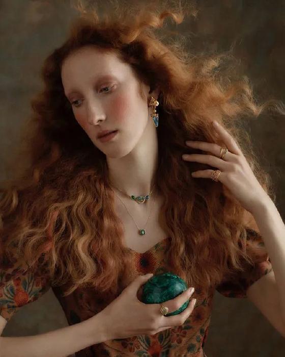 Несмотря на такой успех, Лорна не очень серьёзно относится к карьере модели.